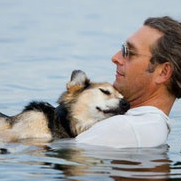 Schoep, dog in famous photo, has died