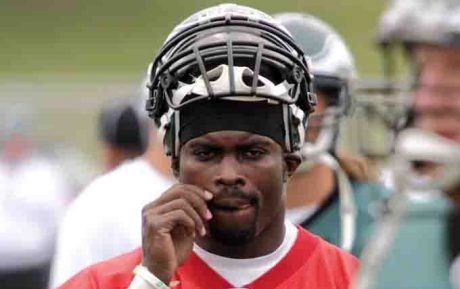 Does Michael Vick Deserve Forgiveness? Where Do NFL Fans Draw The Line?