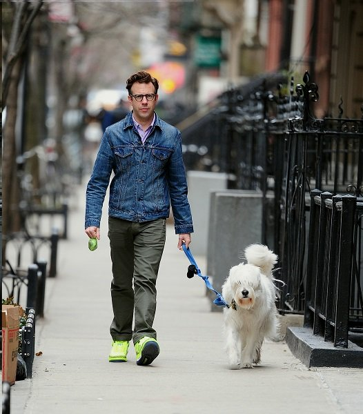 Jason Sudeikis Takes Paco For A Walk